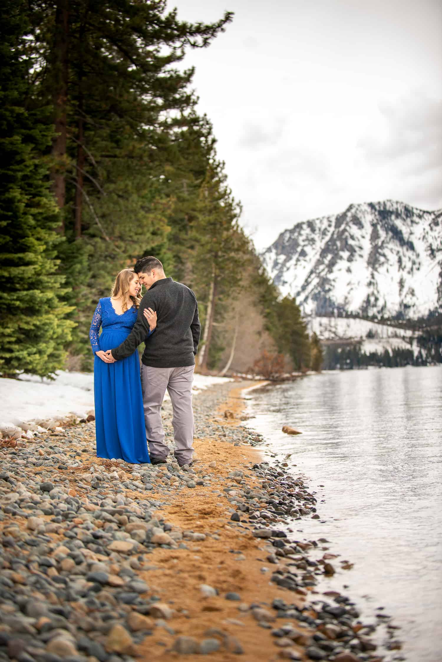 Mountain Maternity Photos